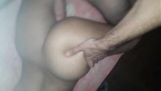 Fazendo sexo e gozando muito e gemendo