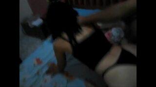 Vídeo de pornô de novinha novinha