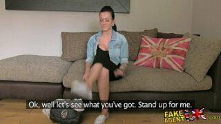 Video de sexo mulher gozando trepando por dinheiro