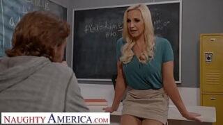 Aluno bem dotado fazendo sexo com professora gostosa