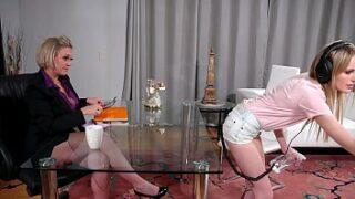 Vídeo porno com patroa e empregada lesbica fazendo sexo