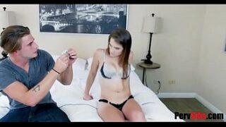 Vídeo de sexo com irma mais nova