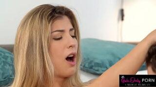 Vídeo porno lesbico em hd com amigas se pegando